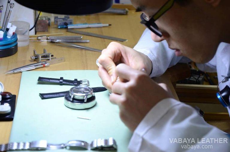 Cách thay dây đồng hồ