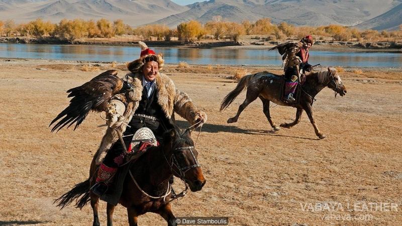 ngựa mông cổ đi săn