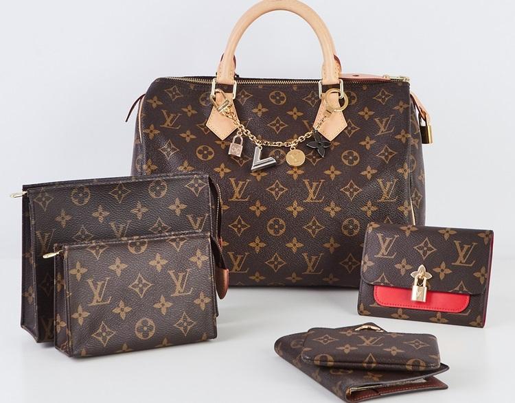 Phân biệt túi hàng hiệu và đồ fake chính xác nhất với 7 dấu hiệu sau