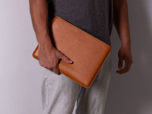 Bao da Macbook Slim Leather Sleeve case da thật nâu vàng bò PKDDBDMAC0001-VB