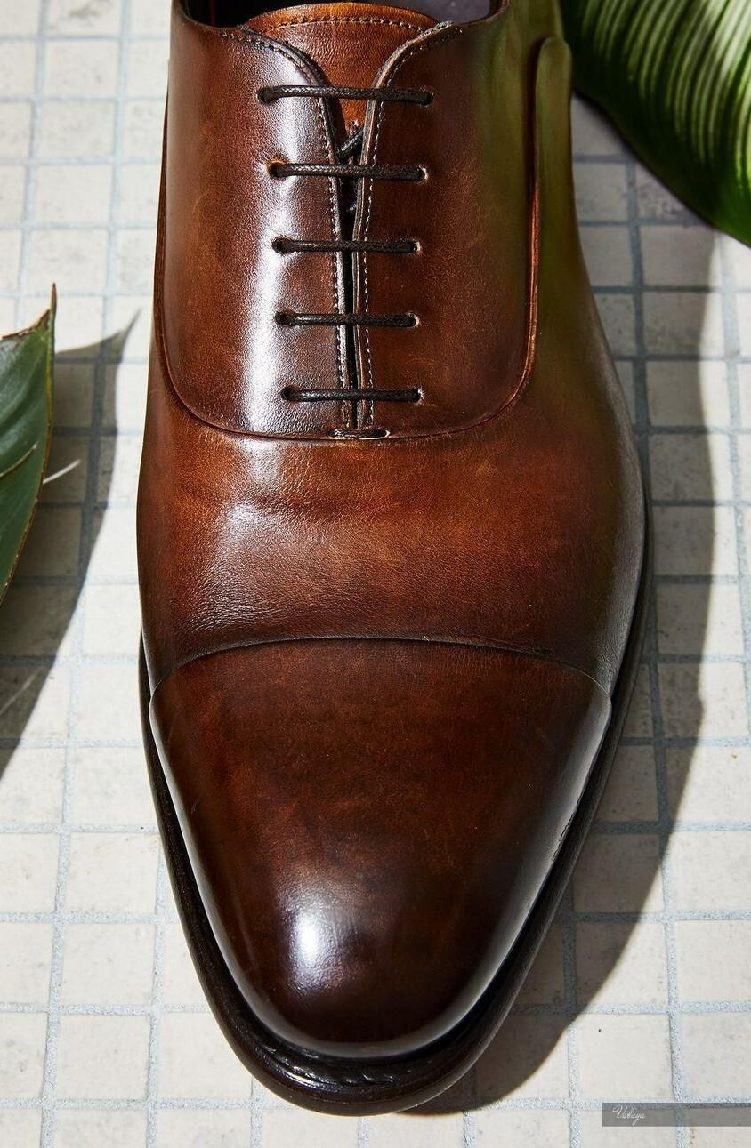 Màu sắc đa dạng của giày oxfords giúp nam giới có nhiều sự lựa chọn.